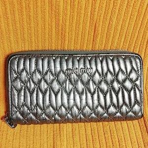 Miu Miu Matelassé Quilted Silver Clutch Wallet